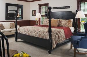 Guestroom - Oak Room_2