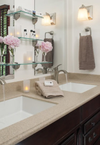 Double sinks in the Oak Room's ensuite bathroom